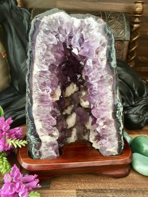 Quality Amethyst Cathedral With Stand – 3.96kg (C2) – Spiritual Connection, Peace, Calm, Meditation, Altars, Focal Point