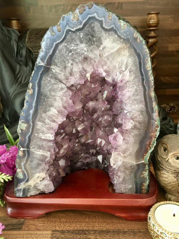 Quality Amethyst Cathedral With Stand – 4.42kg – (C1) – Spiritual Connection, Peace, Calm, Meditation, Altars, Focal Point
