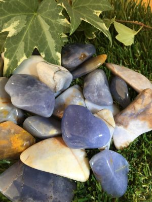 Chalcedony Tumblestone – Aids Balance of The Mind, Body And Soul, Calming, Communiation, Grounding